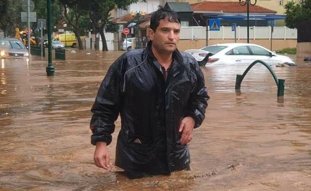 """ראש עיריית הוד השרון אמיר כוכבי תועד ע""""י התושבים ב"""