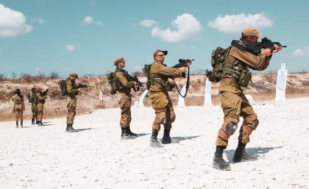 """לוחמים בבסיס (צילום: דובר צה""""ל )"""