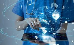 עולם הרפואה העתידי (צילום: shutterstock By metamorworks)