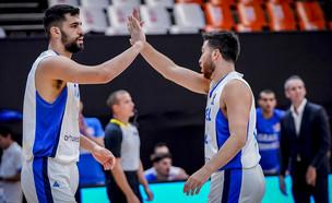 נבחרת ישראל כדורסל נגד נבחרת פולין (צילום: FIBA PHOTOS)
