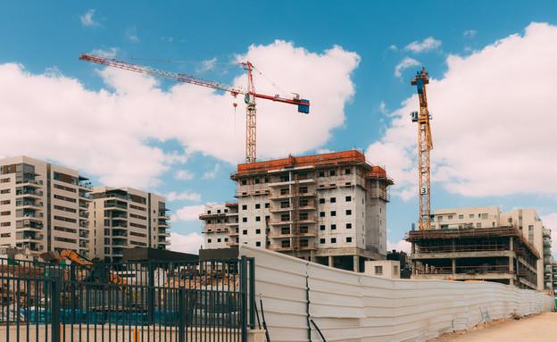 בניית שכונה חדשה בראש העין, אוקטובר 2020 (צילום: Liza Kras, shutterstock)