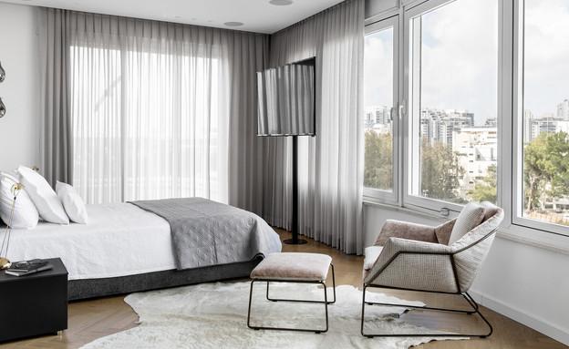 טלוויזיה בחדר השינה, עיצוב מאיה שינברגר (צילום: איתי בנית)