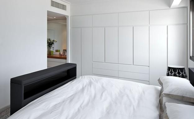 טלוויזיה בחדר השינה, עיצוב זיוה גורסקי (צילום: עוזי פורת)