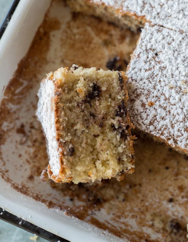 עוגת קוקוס ושוקולד צ'יפס. מריחים?