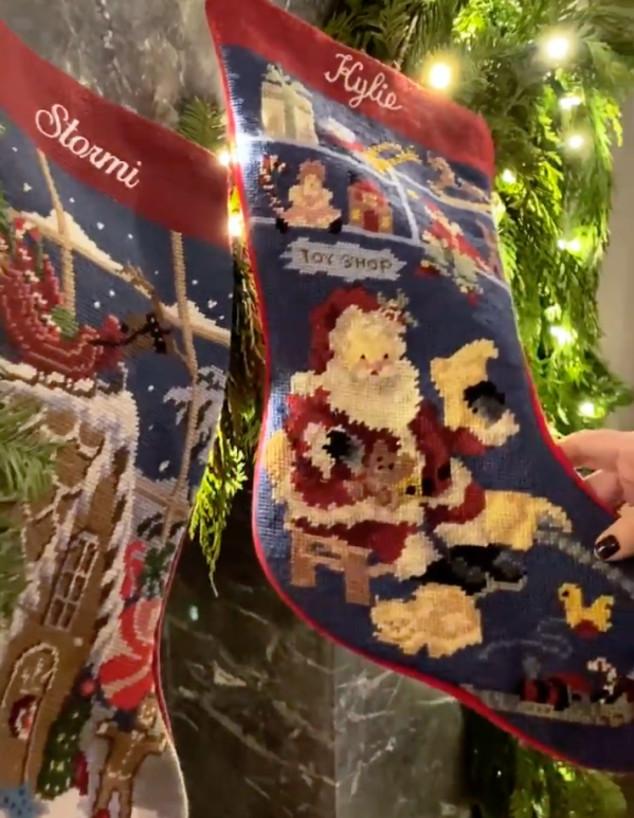 חג מולד קיילי ג'נר (צילום: אינסטגרם kyliejenner)