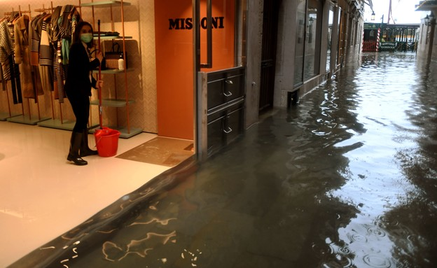 ונציה מוצפת דצמבר 2020 (צילום:  ANDREA PATTARO, AFP)