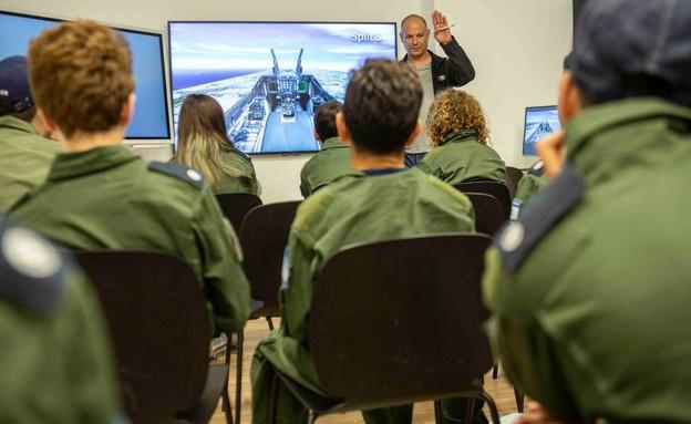קורס טיסה קרבית _בני נוער (צילום: הטייסת)