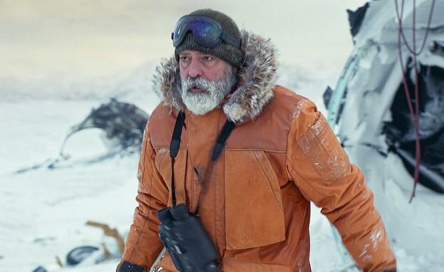 """ג'ורג' קלוני, מתוך """"שמי חצות"""" (צילום: יח""""צ באדיבות Netflix)"""