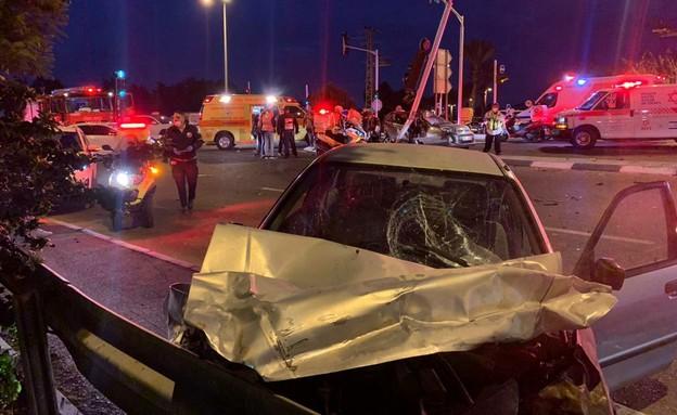 """תאונה בכביש 412 (צילום: תיעוד מבצעי מד""""א)"""