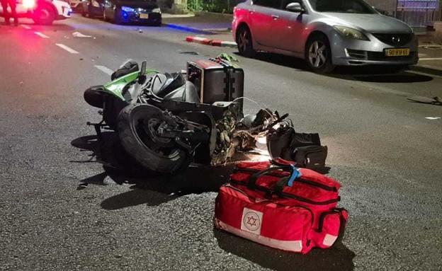 """תאונת דרכים בטבריה (צילום: עומרי גורגה, תיעוד מבצעי מד""""א)"""