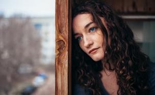 עצובה, דיכאון  (צילום: Evgeny Hmur, Shutterstck)