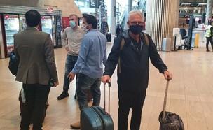 ישראלים שנחתו מדובאי (צילום: אור רביד, החדשות 12)