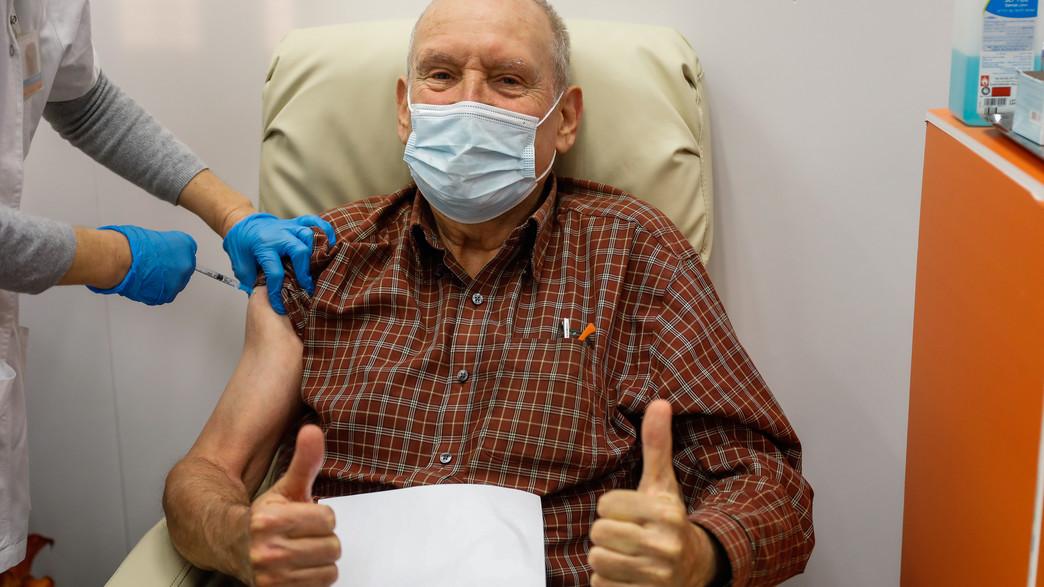 חיסון לקורונה (צילום: פלאש 90)