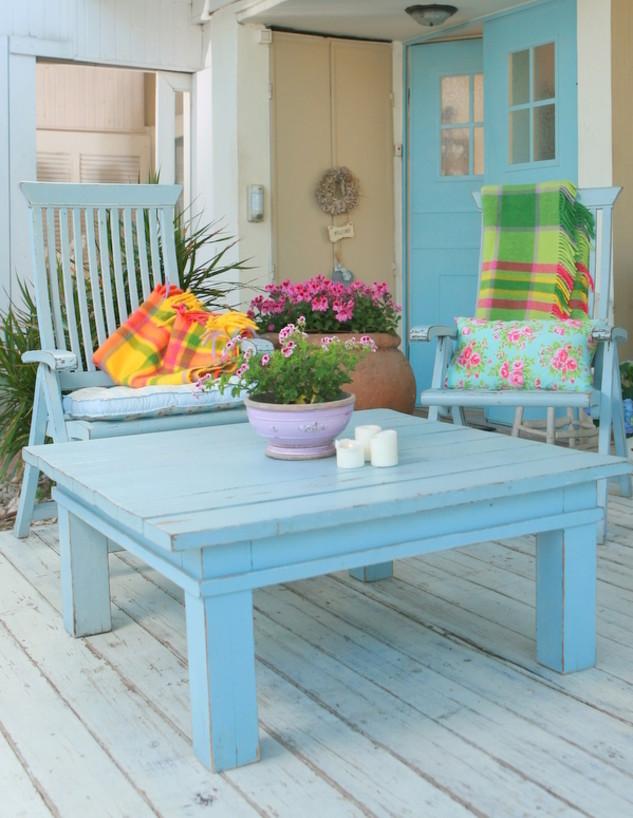 חיים בצבע. רהיטים תכלת (צילום: ענת סגל)