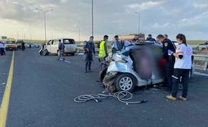 """תאונת דרכים קשה בכביש 6 (צילום: תיעוד מבצעי מד""""א)"""