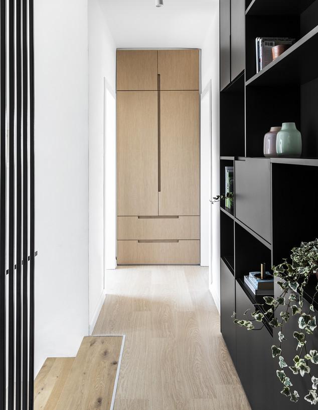 מסדרונות, ג, עיצוב כרמית גת בוצר, החותרים (צילום: איתי בנית)