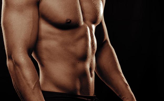 גבר שרירי (צילום: Paul Biryukov, Shutterstock)
