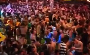 מסיבת רבולושיין סירקט בריו דה ז'ניירו, דצמבר 2020 (צילום: מתוך עמוד האינסטגרם GaysOverCovid@, instagram)