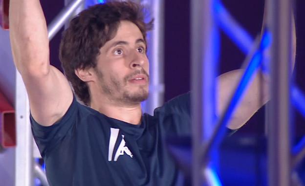 """אלכס חזנוב בגמר – שלב 2 (צילום: מתוך """"נינג'ה ישראל"""", שידורי קשת)"""