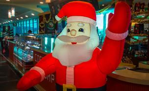 סנטה קלאוס מתנפח (צילום:  TomCarpenter/shutterstock.com)