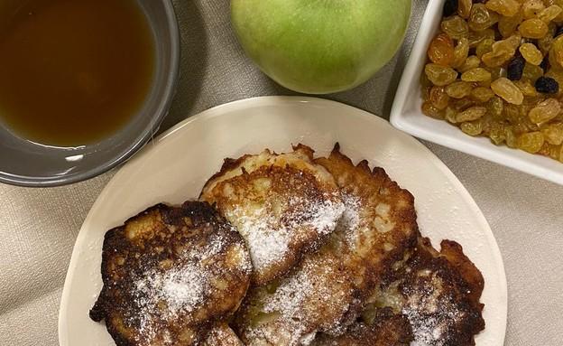לביבות תפוחי עץ - יעל גולדמן (צילום: יעל גולדמן)