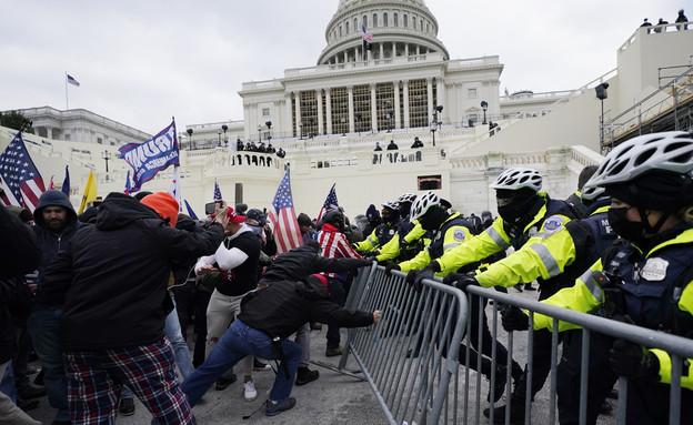 """מהומות בארה""""ב (צילום: AP)"""