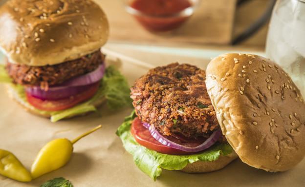 המבורגר סלק טבעוני  (צילום: בבושקה הפקות)