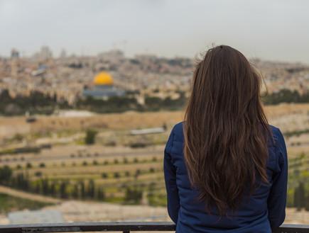 אישה בירושלים (צילום: GuilhermeMesquita, Shutterstock)