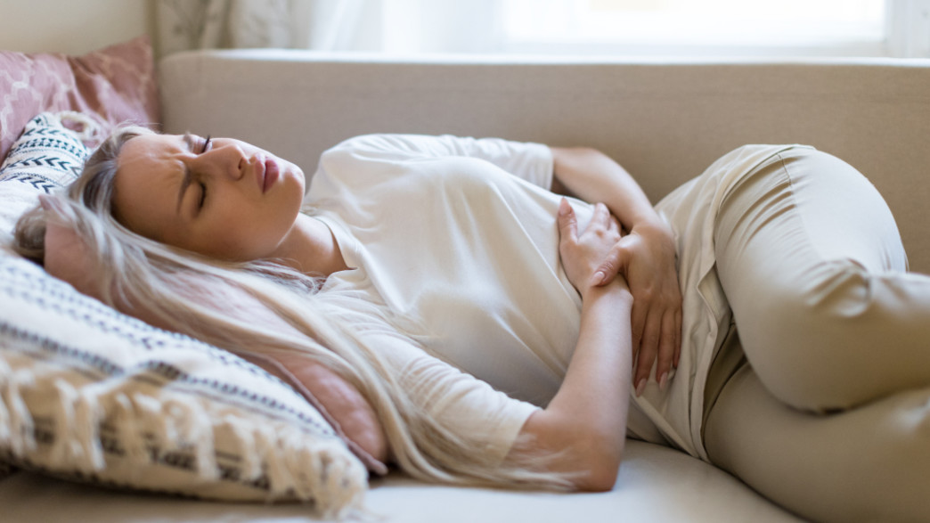 כאב בטן (צילום:  DimaBerlin, shutterstock)
