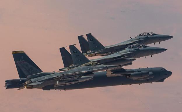 Ο κοινός ελιγμός των αεροπορικών δυνάμεων της Σαουδικής και της Αμερικής