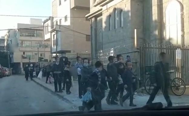 מוסדות חינוך חרדיים שנפתחו בבני ברק למרות הסגר (צילום: ישראל פריי, דמוקרט TV)