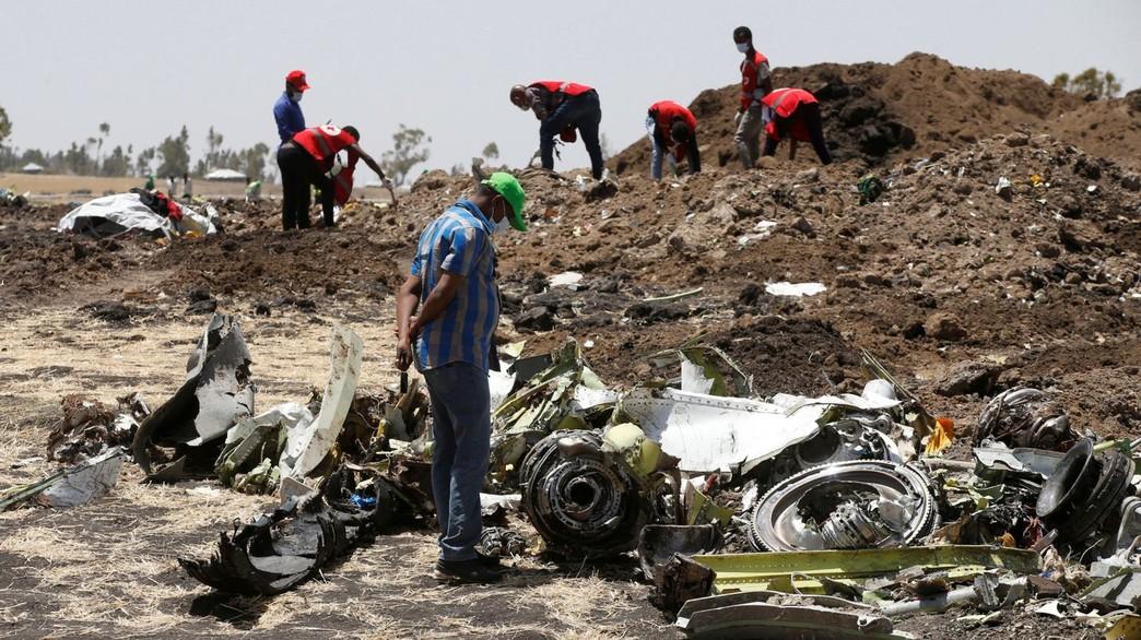 התרסקות מטוס בואינג 737 מקס באתיופיה ליד אדיס אבבה (צילום: sky news)