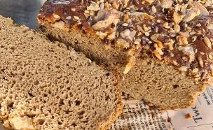 לחם טחינה כוסמין (צילום: נטלי אמילר , אוכל טוב)