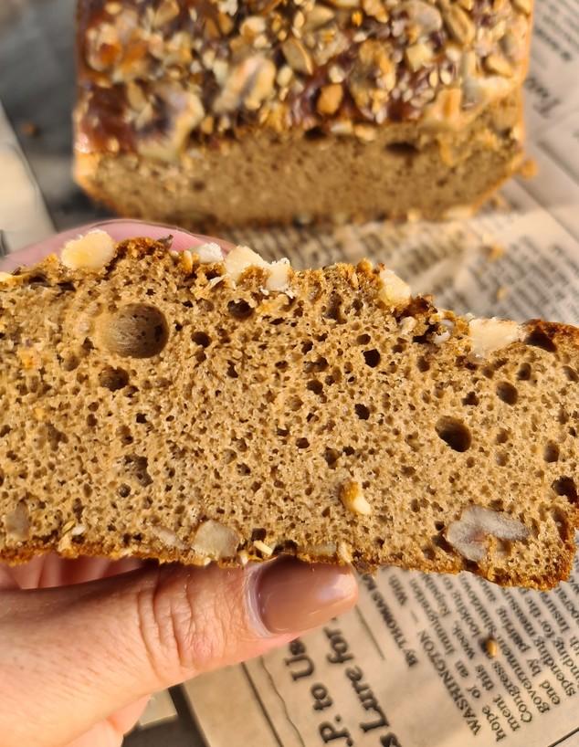 לחם טחינה כוסמין