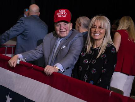 שלדון ומרים אדלסון בעצרת של דונלד טראמפ בלאס וגאס (צילום: ap)