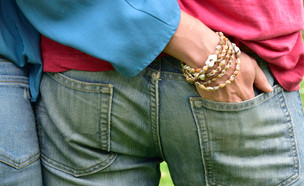 יד בכיס (צילום: shutterstock | reenseas)