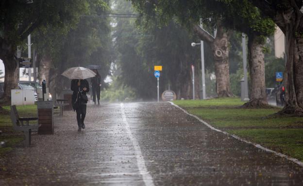 תל אביב, חורף, מזג האוויר (צילום: מרים אלסטר, פלאש 90)