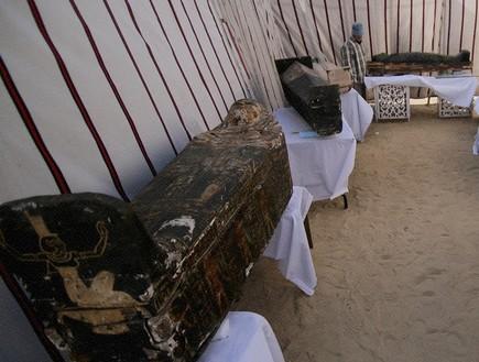 מצרים: יותר מ-50 סרקופגים נחשפו באתר קבורה עתיק