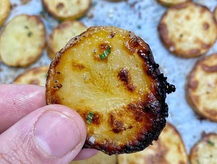 תפוחי אדמה בחמאה ודבש (צילום: רון יוחננוב, אוכל טוב)