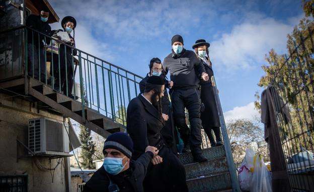 כוחות משטרת בסנהדריה (צילום: פלאש 90)