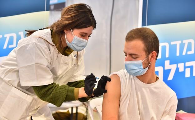 """חיסונים בצה""""ל (צילום: דובר צה""""ל)"""