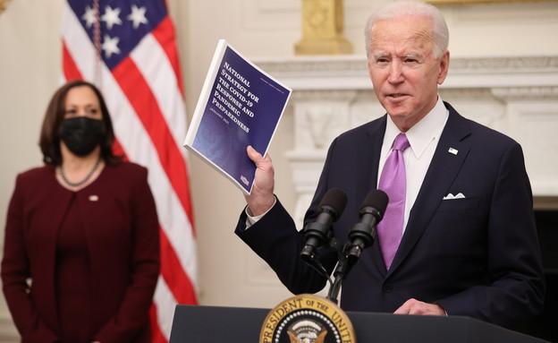 ג'ו ביידן נואם על תוכניתו למאבק בקורונה (צילום: reuters)