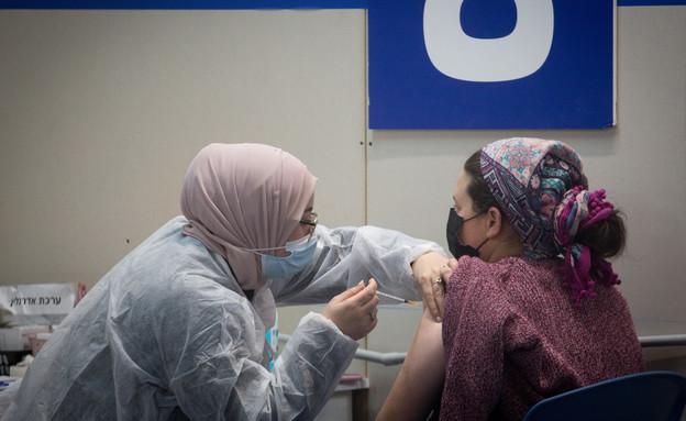 חיסונים בישראל (צילום: מרים אלסטר, פלאש 90)