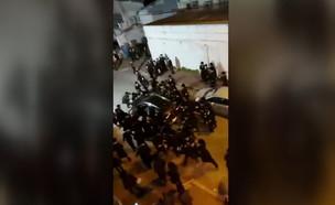 חרדים תוקפים שוטרים בבני ברק