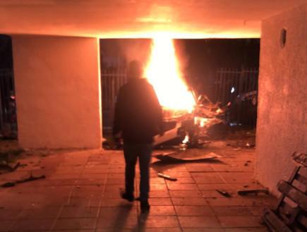 פיצוץ רכב בלוד (צילום: amar asaadi)