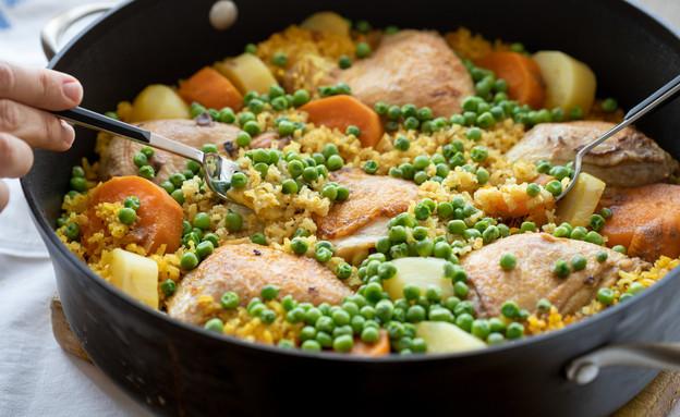 עוף, אורז מלא וירקות בסיר אחד (צילום: עידית נרקיס כ