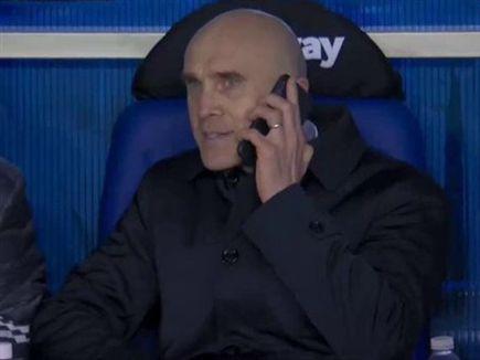 בטוני בטלפון.