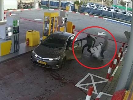 מאיימים, גונבים ונמלטים עם השלל: שוד תחנות הדלק בבאר שבע לא עוצר
