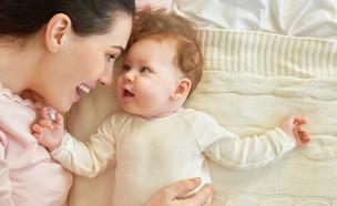 תינוק ואמא (צילום: shutterstock By Yuganov Konstantin)
