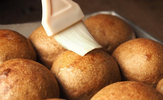 במה מברישים לחם טבעוני? (צילום: chaechaebyv, shutterstock)